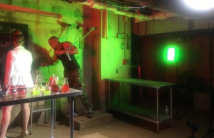 zombie on a chain Big Escape Rooms